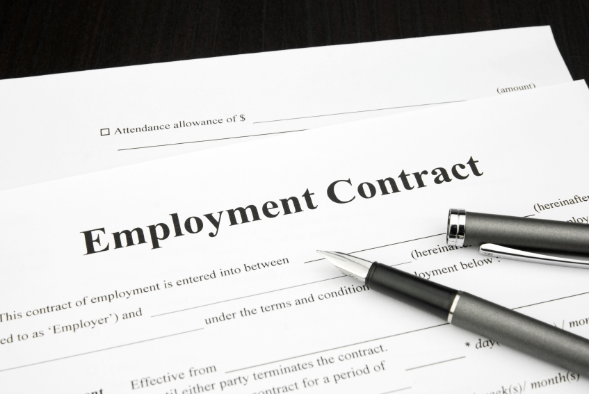 Current market practice in setting employment contracts for Executive Staff